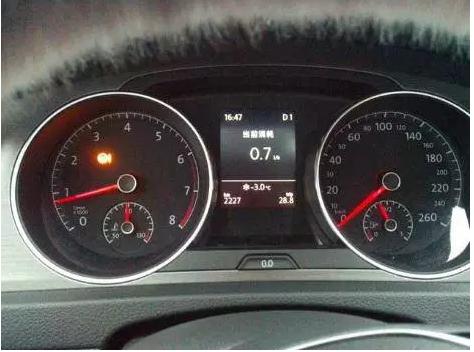 高尔夫A7转向机亮故障灯,1063软件刷新方法