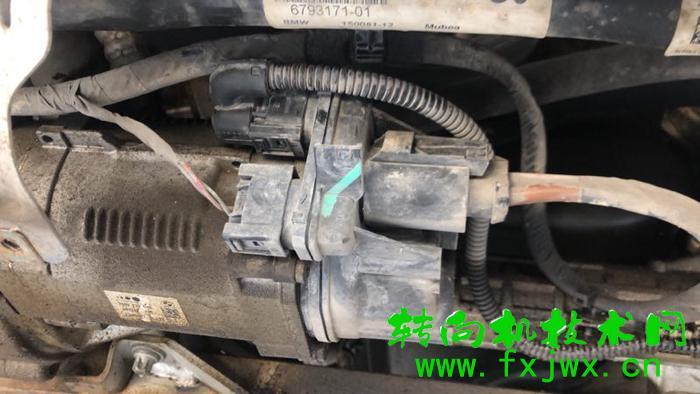 宝马X3电子方向机助力时有时无维修